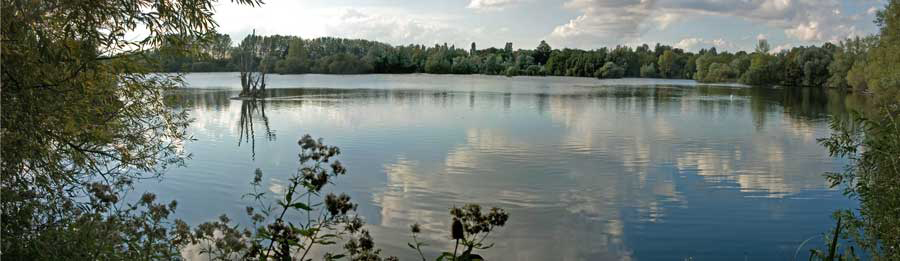 Thrupp Lake September 2006 by Lynda Pasquire
